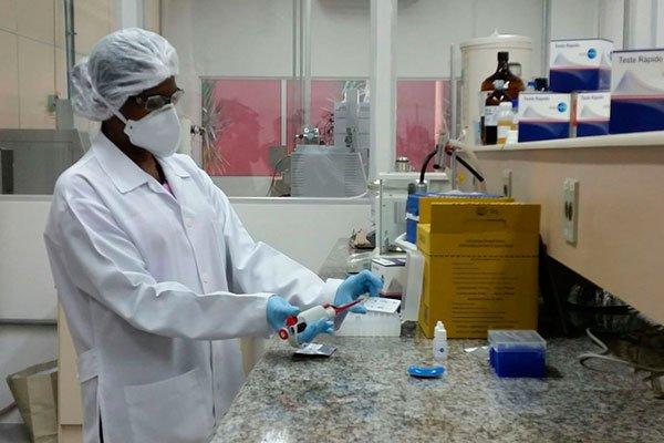 Laboratório Central necessita de até cinco dias para analisar as amostras dos pacientes suspeitos