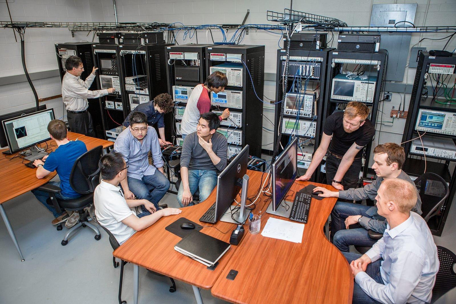 Superconducting qubit processor control lab. Engineering Quantum Systems