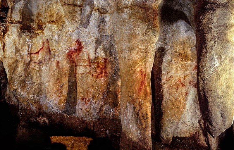 Cave art at La Pasiega, Spain dated by researchers at the University of Southampton to between 67,000 and 52,000 years old. Photo by P. Saura.