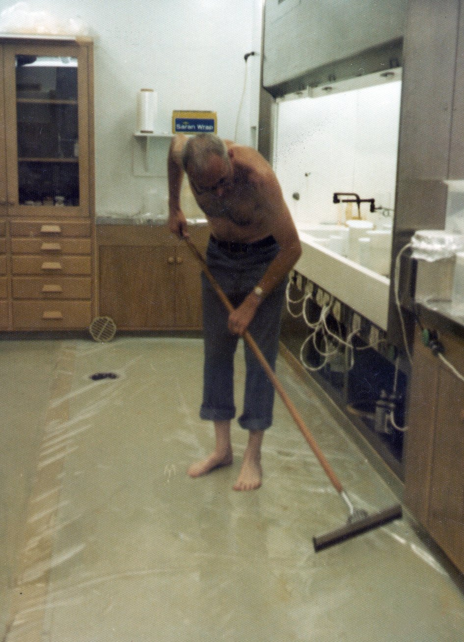 Clair Patterson went to great lengths to keep lead and other contaminants out of his laboratory. Photo courtesy of the Archives, California Institute of Technology.