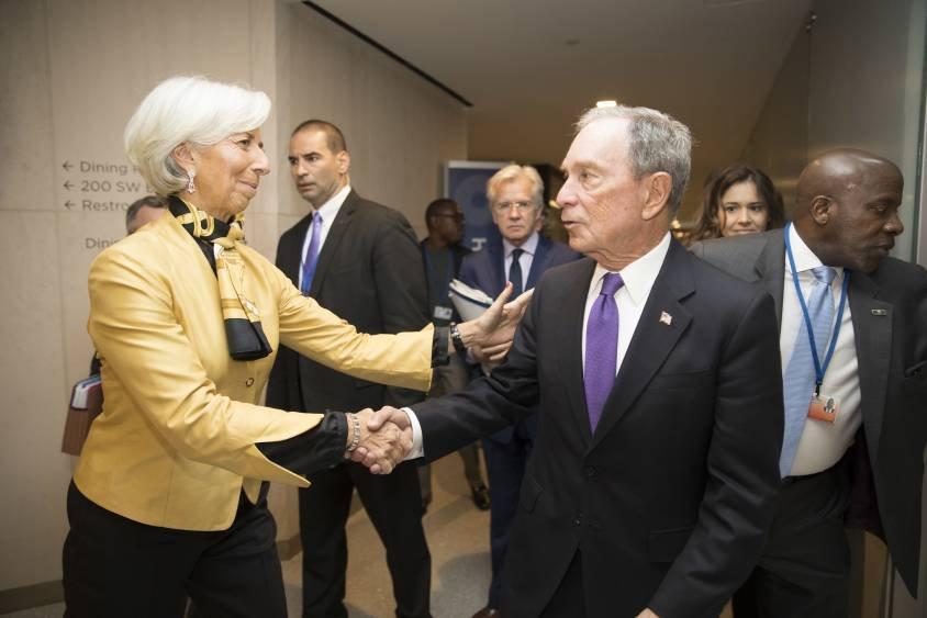 Améliorer le climat des affaires grâce aux affaires du climat. Christine Lagarde recevant le milliardaire Michael Bloomberg, désormais le grand argentier de la campagne de Joe Biden.