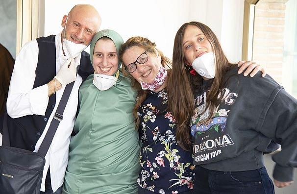 Silvia Constanza Romano ve ailesiAA