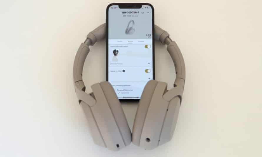 The Headphones Connect app has a full equaliser and options for customising noise-cancelling, controls and activating the DSEE Extreme sound enhancer. Photograph: Samuel Gibbs/The Guardian