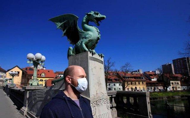 Quốc gia đầu tiên ở châu Âu tuyên bố hết dịch Covid-19