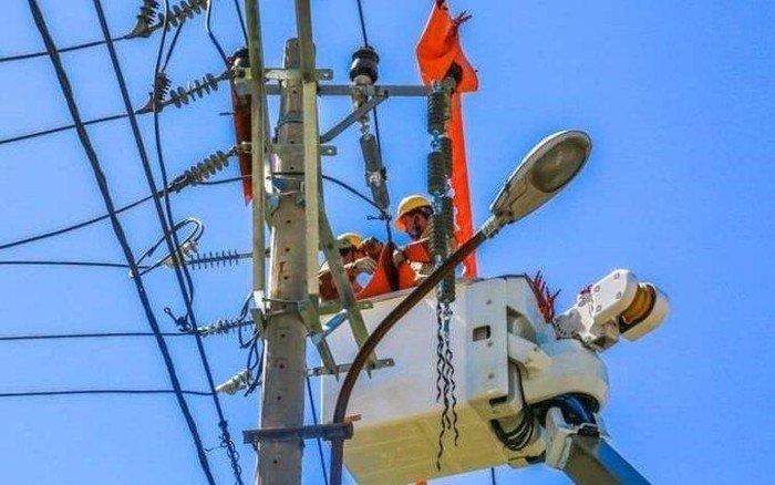 """Công suất tiêu thụ tăng đột biến vì nắng nóng, EVN """"khuyến cáo vàng"""" giúp tiết kiệm tiền điện"""