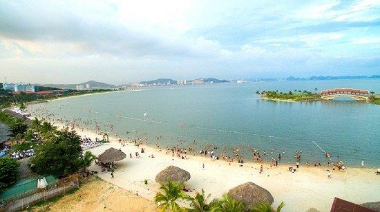 Xót xa 2 học sinh đuối nước tử vong khi đi tắm biển tại Hạ Long