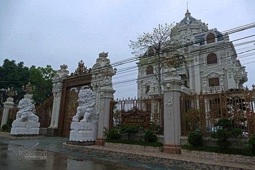 """Choáng ngợp với độ xa hoa tại lâu đài """"Lan Khoa Khuê"""" mang phong cách Hy Lạp của đại gia Nam Định"""