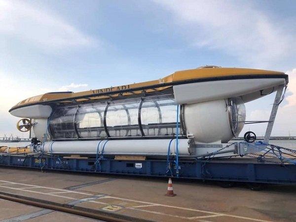 Tàu ngầm tỷ phú Phạm Nhật Vượng đặt mua cho Vinpearl bất ngờ xuất hiện tại Nha Trang