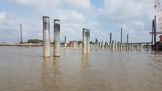 Chủ tịch UBND TP.HCM: Xử lý nghiêm công trình cầu cảng không phép ở sông Sài Gòn