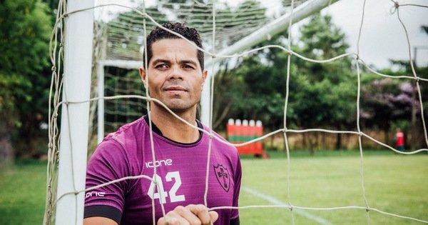 Sao bóng đá Brazil: 'Tôi đã bán HCV World Cup các CLB để mua cocain'