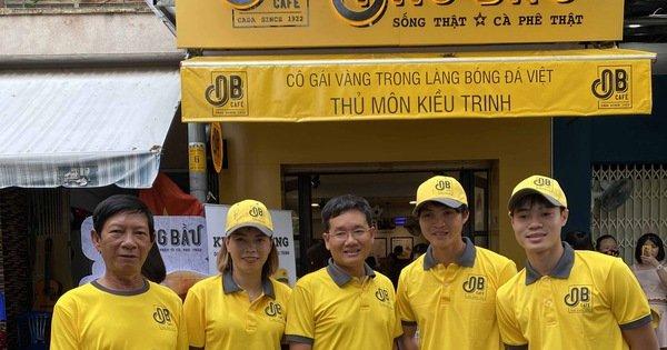 """Cựu """"Quả bóng Vàng nữ Việt Nam"""" Kiều Trinh mở quán cà phê"""