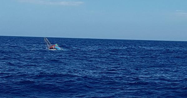 Tàu cá chìm ngoài khơi Thừa Thiên - Huế trong đêm, 7 ngư dân Đà Nẵng được cứu