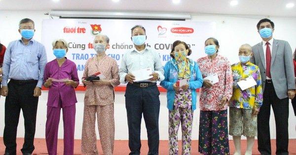 300 triệu đồng 'Cùng Tuổi Trẻ chống dịch COVID-19' đến tay người nghèo Cần Thơ