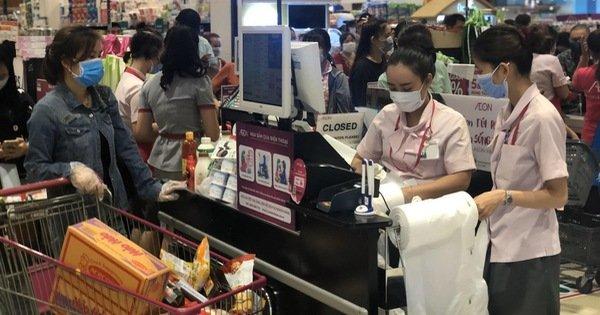 Chuyện của những nhân viên siêu thị thời dịch bệnh