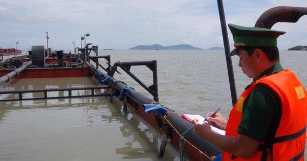 TP.HCM: Một thuyền viên từ Philipines về bị nóng sốt được đưa đi cấp cứu
