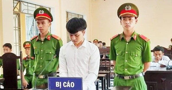 Chồng 21 tuổi cắt cổ vợ rồi tự sát không chết, nhận 7 năm tù