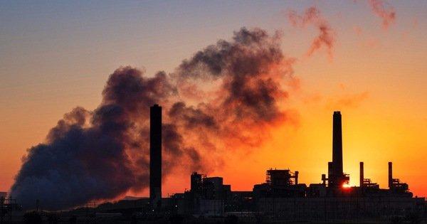 Lượng CO2 thấp nhất trong 14 năm qua 'nhờ' COVID-19