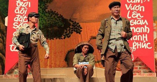 Các lãnh đạo Bộ 'xung phong' mua 10 vé xem kịch Lưu Quang Vũ