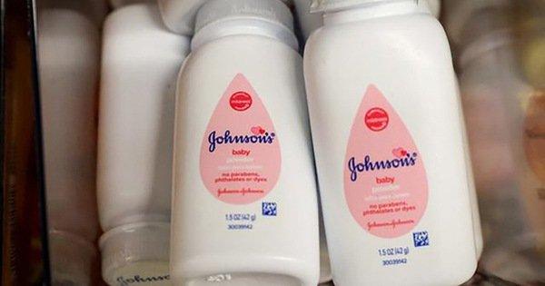 Johnson & Johnson dừng bán phấn rôm ở Mỹ, Canada: Bộ Y tế yêu cầu hãng báo cáo