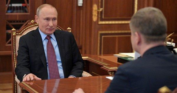 Ông Putin trở lại điện Kremlin sau thời gian dài làm từ xa