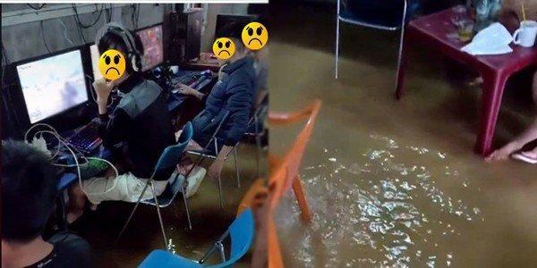 """Lũ lụt dâng cao vẫn bình tĩnh """"quẩy"""" game trong quán net, các thanh niên bị cộng đồng mạng ném đá không thương tiếc"""