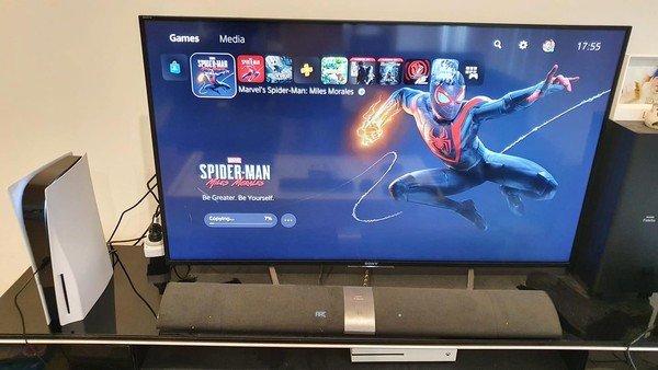 Cận cảnh những chiếc PS5 đầu tiên xuất hiện tại Việt Nam