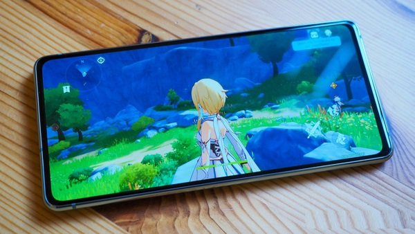 Genshin Impact cập nhật bản mới, game thủ mobile lo sốt vó