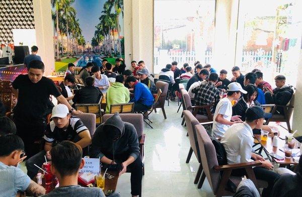 Fan Liên Quân Mobile cả nước tưng bừng dự offline xem Bán kết AIC 2020, hết mình cổ vũ team Việt Nam