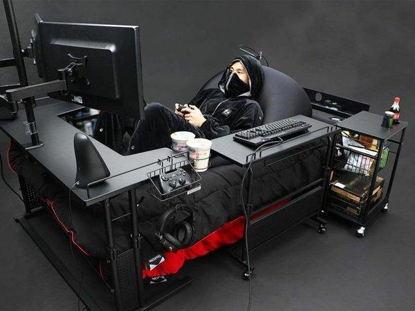 """Bất ngờ với chiếc """"giường gaming"""" đa dụng, ăn ngủ vệ sinh tại chỗ cho game thủ, giá chỉ ngang xe Wave"""