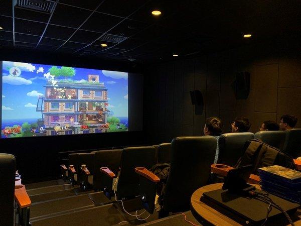 Lần đầu tiên tại Việt Nam mở cửa dịch vụ chơi game ở rạp chiếu phim