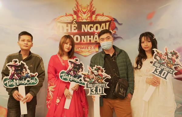 """Game thủ """"quẩy"""" hết mình trong Offline Tân Minh Chủ 2 miền Nam - Bắc: """"Game vừa hay vừa đông, xin ủng hộ dài dài"""""""