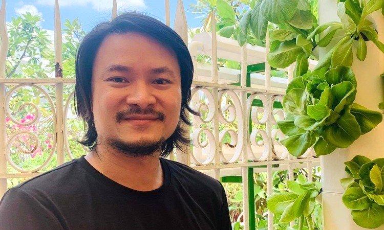 Đạo diễn Hoàng Nhật Nam trồng rau ở penthouse