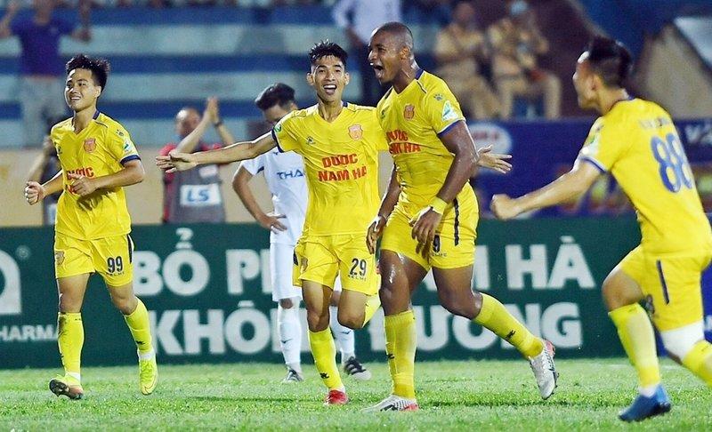 Nam Định 1-0 HAGL (hiệp 2)