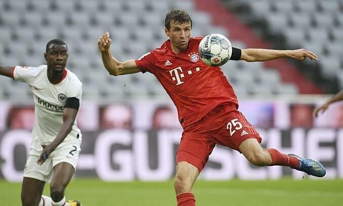 Bayern xử đẹp Frankfurt