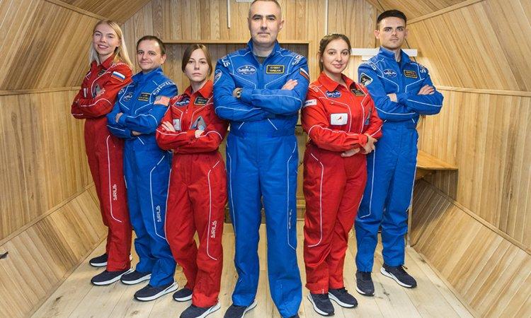 NASA tuyển người sống cách ly 8 tháng
