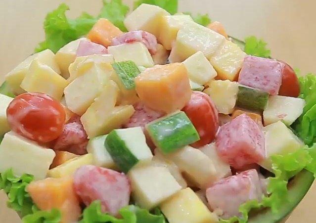 Bí quyết làm món salad hoa quả thanh mát ngày hè