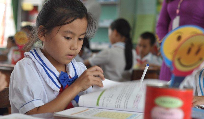 Bộ Giáo dục không ký được hợp đồng với chuyên gia để biên soạn một bộ sách giáo khoa