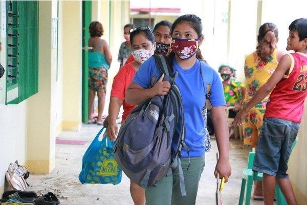 Philippines sơ tán hàng trăm nghìn dân vì bão đổ bộ