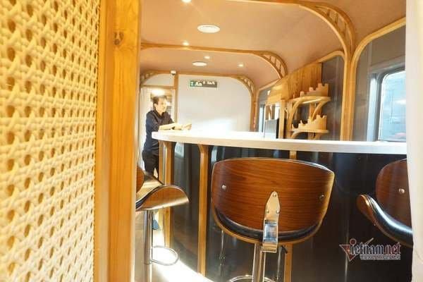 Toa tàu hỏa có quầy bar, ghế massage sang chảnh nhất Việt Nam