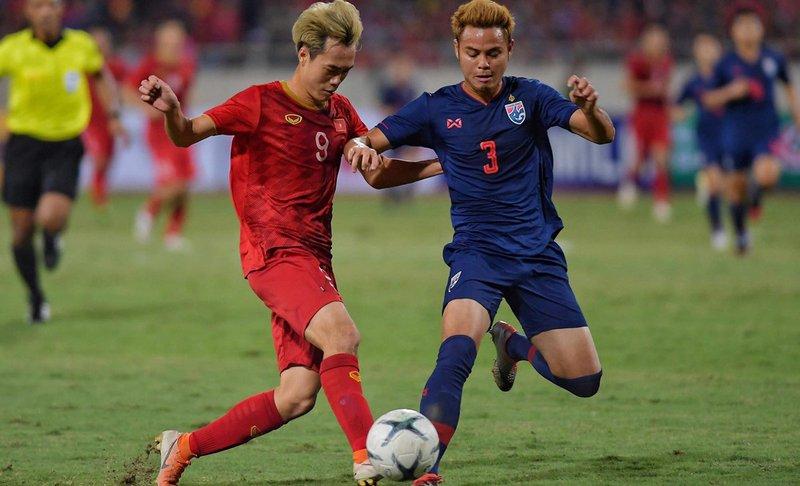 Thái Lan: Theerathon Bunmathan mơ dự World Cup 2022