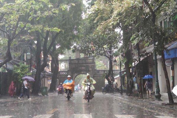 Dự báo thời tiết ngày 23/5/2020: Hà Nội mưa to, đề phòng ngập lụt