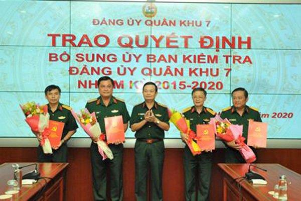 Công bố quyết định của Ban Thường vụ Quân ủy về công tác cán bộ