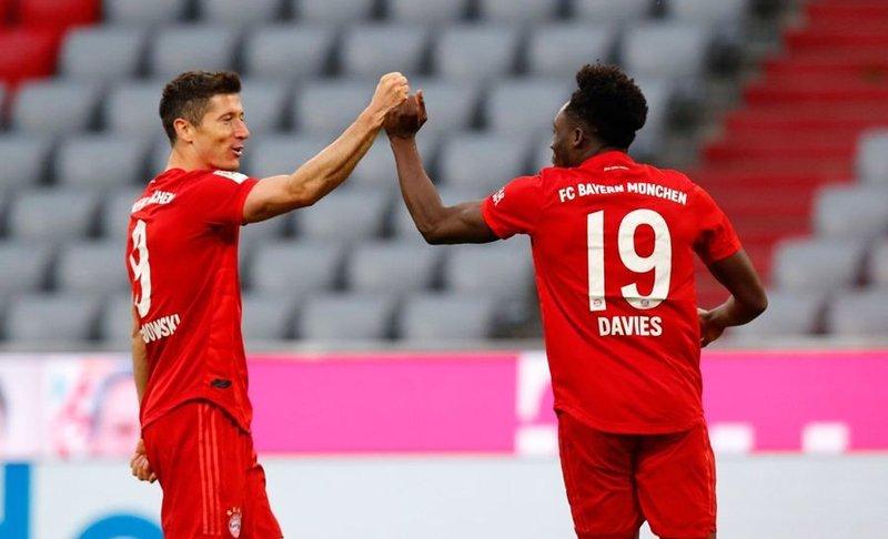 Bayern vs Fortuna Dusseldorf: Hùm xám gầm vang