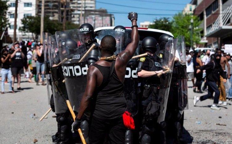 Từ vụ người da đen bị ghì chết, bạo động lan khắp Mỹ