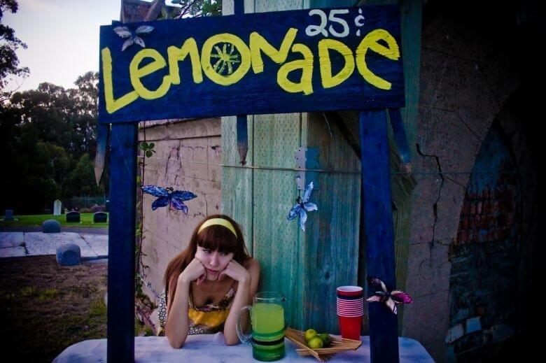 graveyard-lemonade-stand-780x520.jpg
